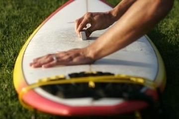 How to Apply Wax to a Surfboard