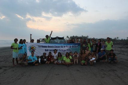 Beach clean Events with Bali L