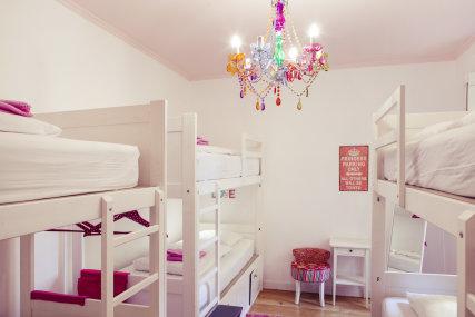 6-bed female dorm