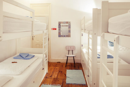 6-bed shared dorm